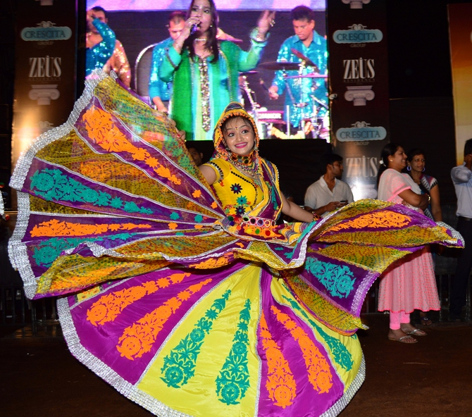 Bright outfits, dizzying moves: Navratri Garba in Mumbai