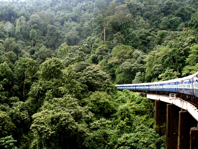 The train passes through 58 tunnels, 109 bridges and 25 waterfalls.