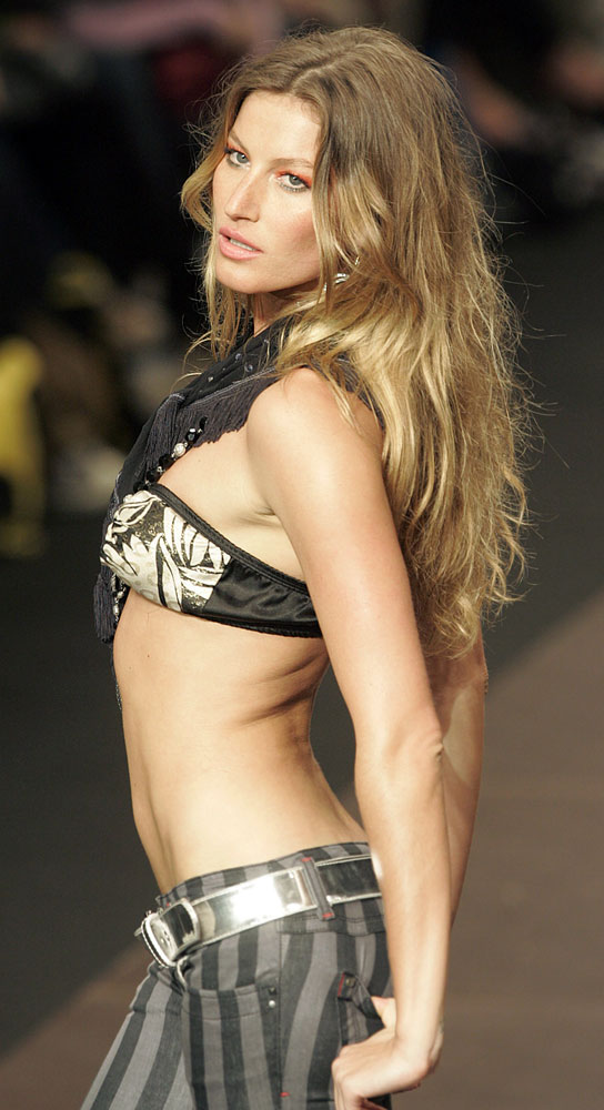 modeling Nude underage
