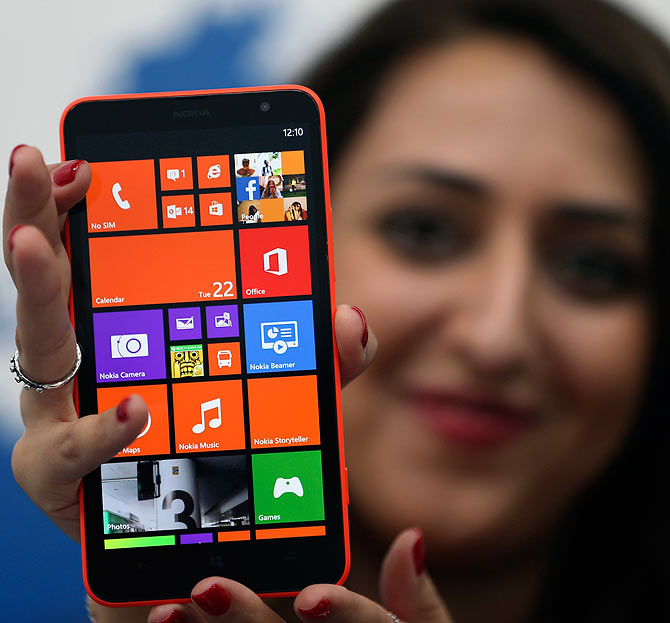 Nokia's LAST Hurrah! Fires two phablets and a tablet