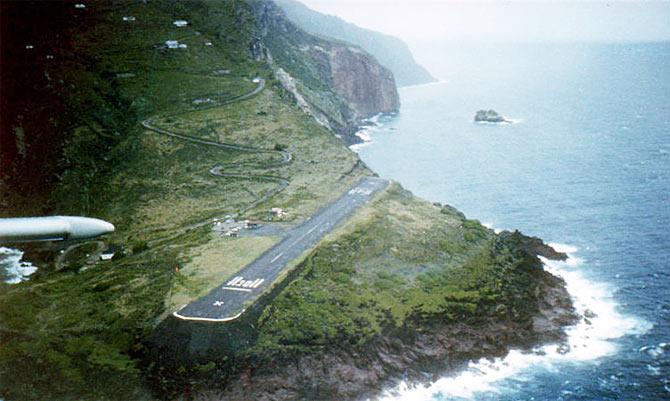 7. Juancho E. Yrausquin Airport, Saba Island