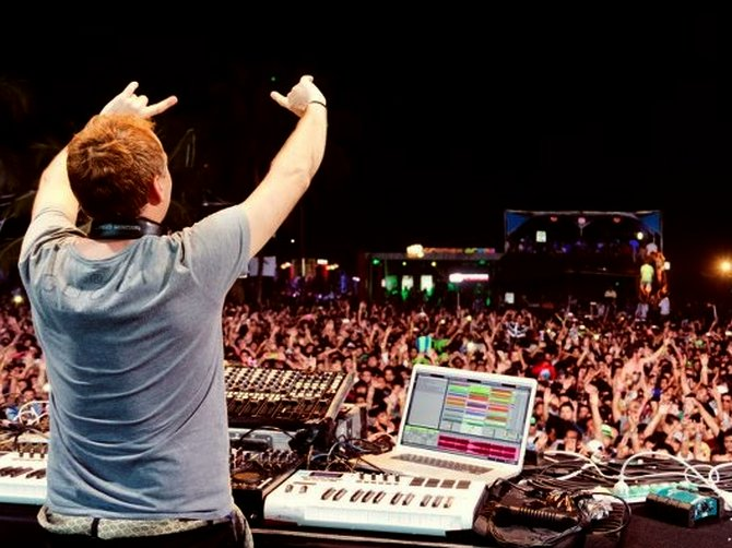 Sunburn is one of the biggest music festivals in the country attracting international talent and audiences.