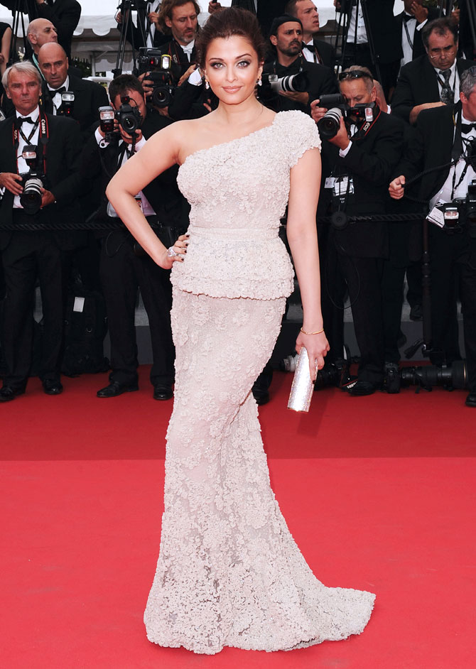 Aishwarya Rai Bachchan attends the Opening Ceremony at the Palais des Festivals during the 64th Cannes Film Festival on May 11, 2011 in Cannes, France.