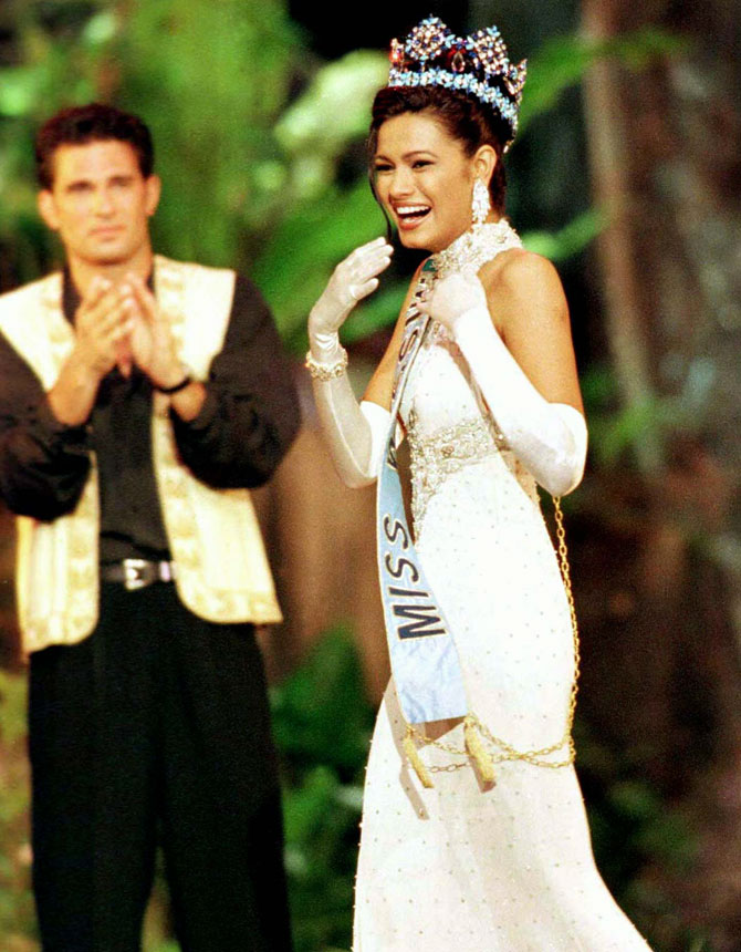 Miss India Diana Hayden reacts after winning the Miss World 1997 Pageant November 22. The 24 year old from Bombay was crowned Miss World 1997 in the Seychelles.