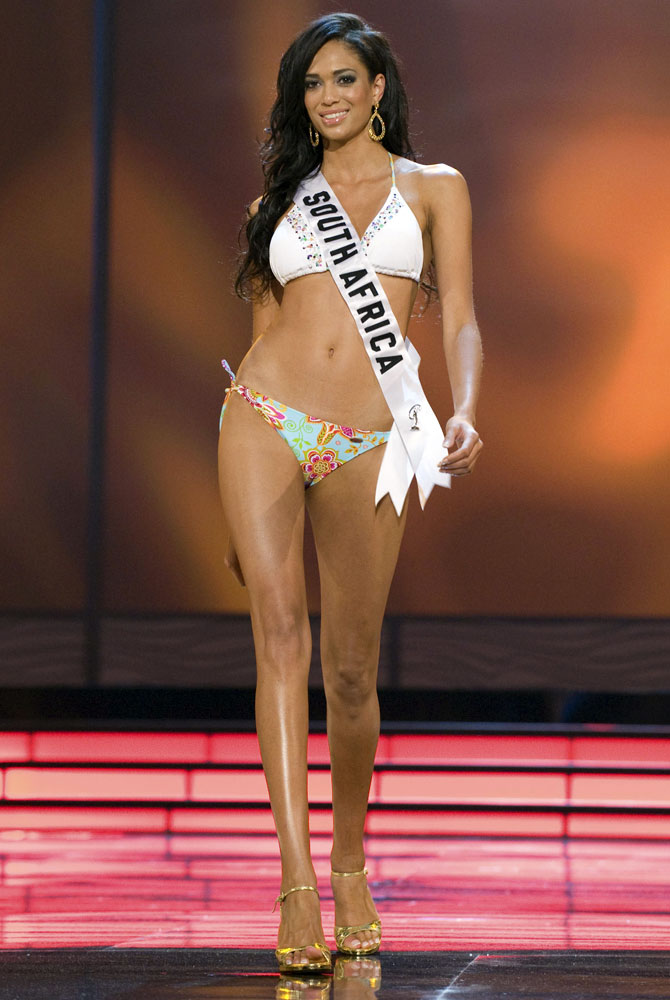 Tatum Keshwar, Miss South Africa 2009, competes in the swimsuit segment of the Miss Universe 2009 Presentation Show at Atlantis, Paradise Island August 15, 2009. Picture taken August 15, 2009.