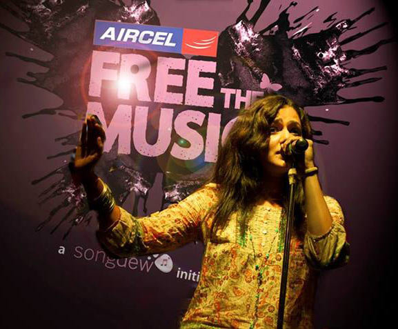 Chinmayee performs at Airtel's Free The Music in Hard Rock Cafe in New Delhi