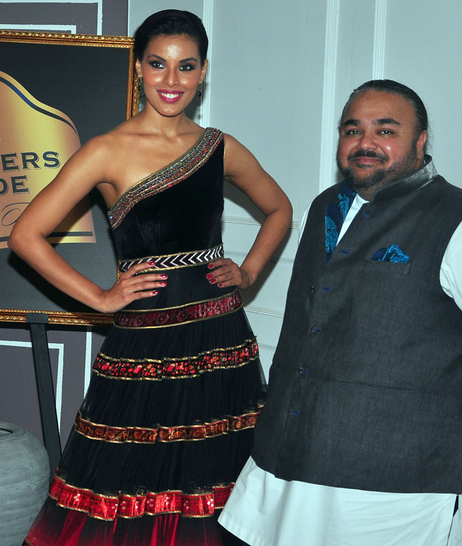 Deepti Gujral with designer JJ Valaya