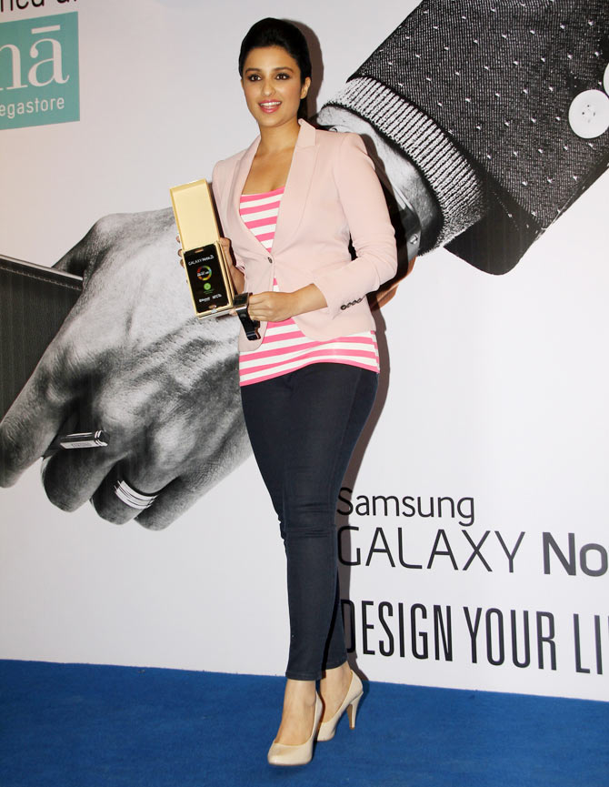 Parineeti Chopra launches Samsung Galaxy Note III and Galaxy Gear