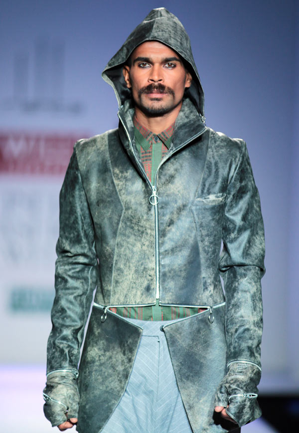 A model in an Arjun Saluja creation