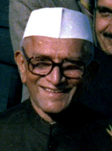Who was India's first non-Congress Prime Minister?