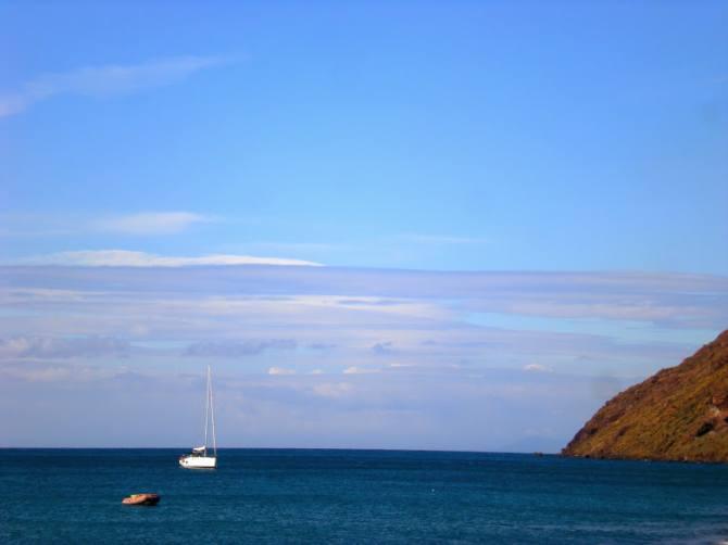 A glimpse of the brilliant blue of the Tyrrhenian Sea