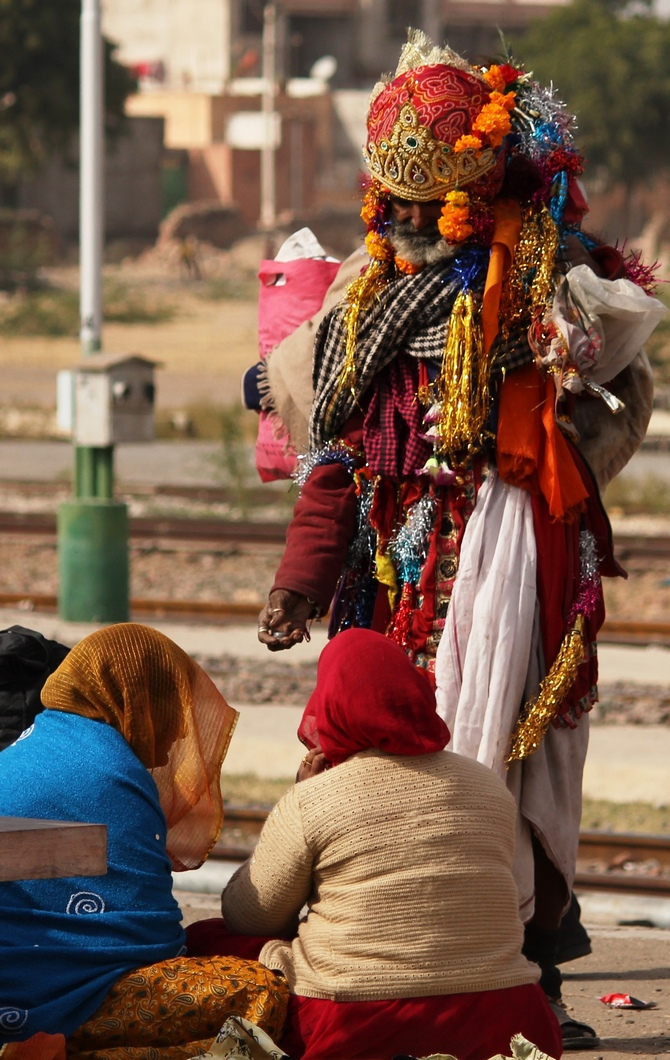 A colourful beggar shot at Jodhpur railway station