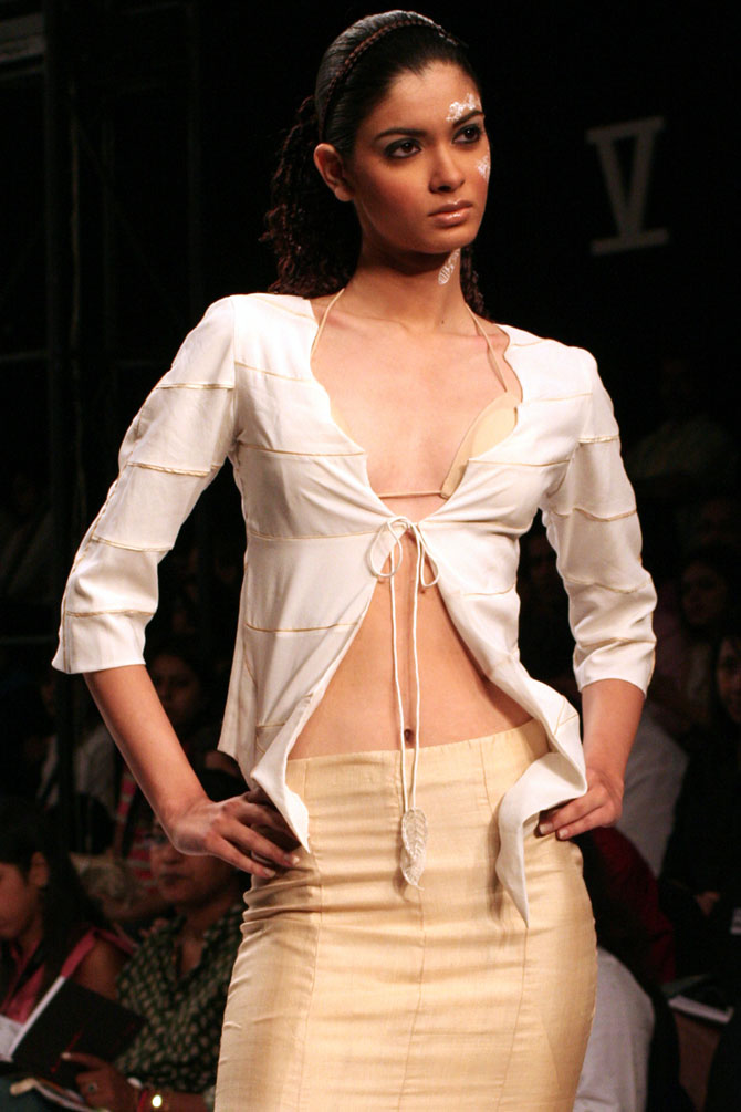 Diana Penty in a Monapali outfit at the Wills India Fashion Week 2006