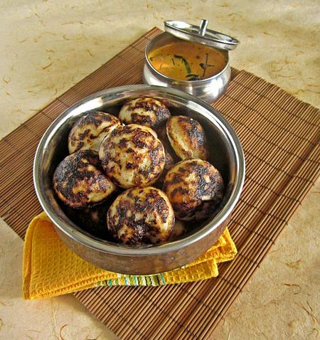 Kaara kuzhi paniyaaram