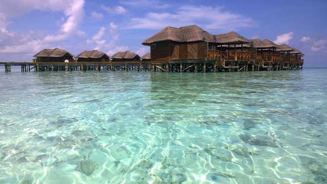 Water bungalows on the Fihaihohi Island