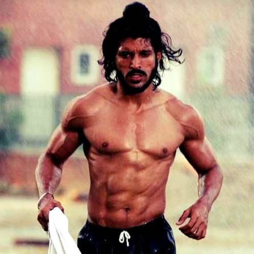 At times, Farhan Akhtar worked up to six hours a day, six days a week to get this physique for Bhaag Milkha Bhaag. How far will you go?