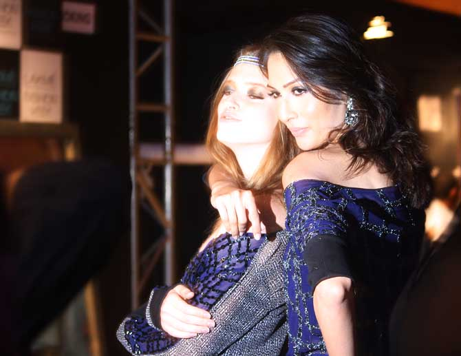 Models Sanea Shaikh and Anastasia Kuznetsova