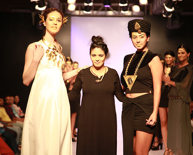 Hawt couture! Richa, Aditi scorch the runway