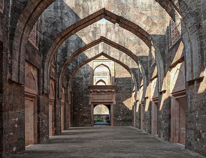 The arches of Hindola Mahal, Mandu, Madhya Pradesh
