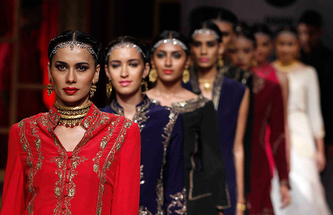 A glimpse from the Raghavendra Rathore show.