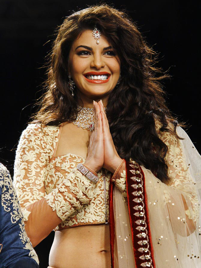 Jacqueline Fernandez dazzles the ramp for Anju Modi.