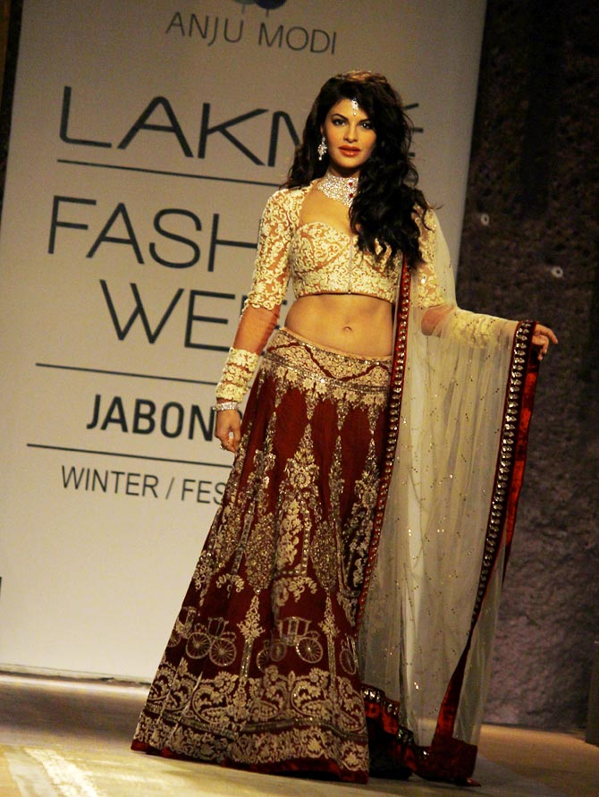 Jacqueline Fernandez walks the ramp for Anju Modi.