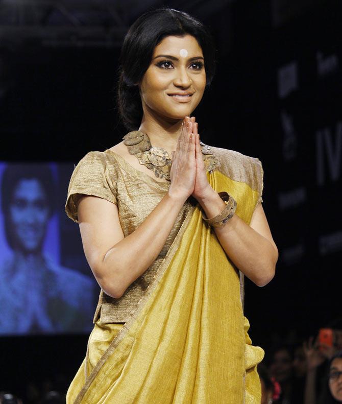 Konkona Sen Sharma showstops for Anavila Misra.