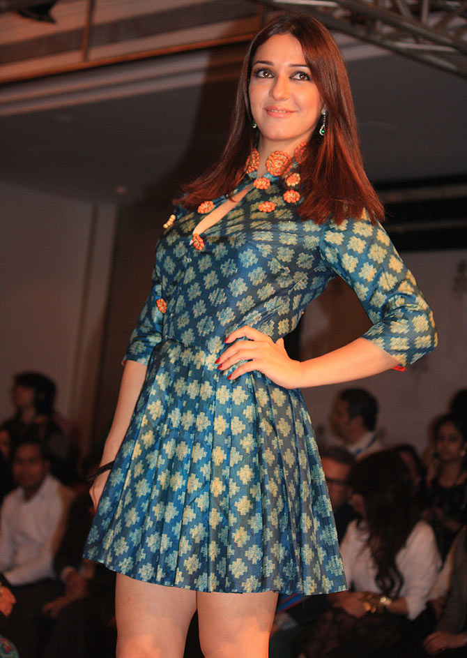 Nauheed Cyrusi at Lakme Fashion Week Winter/ Festive 2014.