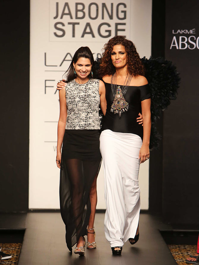 Popular VJ and TV star Kamal Sidhu with designer Laila Singh at the Lakme Fashion Week