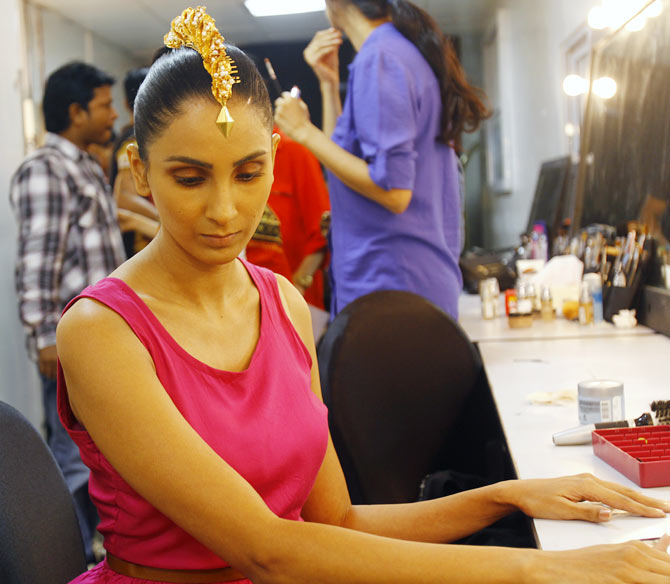 Model Meenakshi Khari