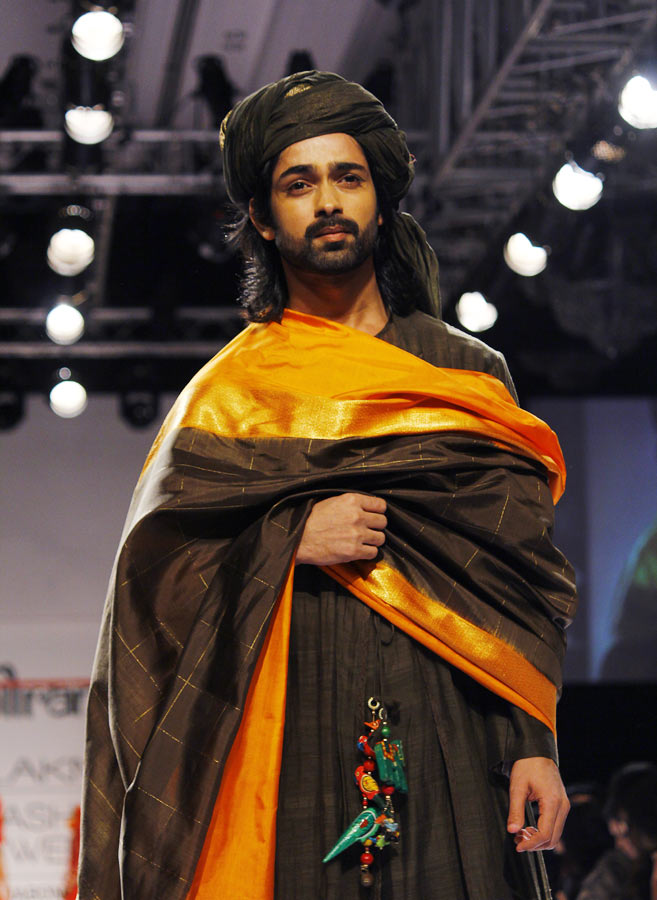 Model Amit Ranjan in a Gaurang Shah creation.