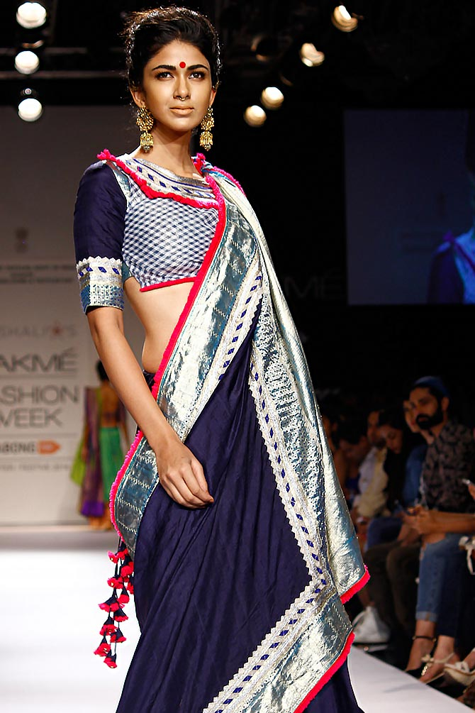 Model Reha Sukheja in a Vaishali S creation