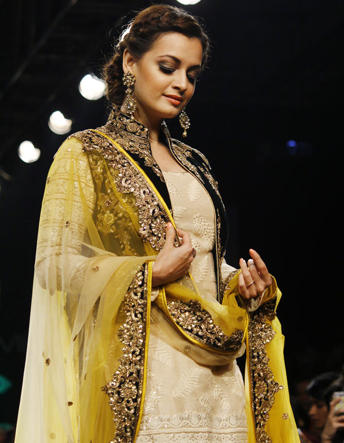 Dia Mirza walks the ramp for Vikram Phadnis.