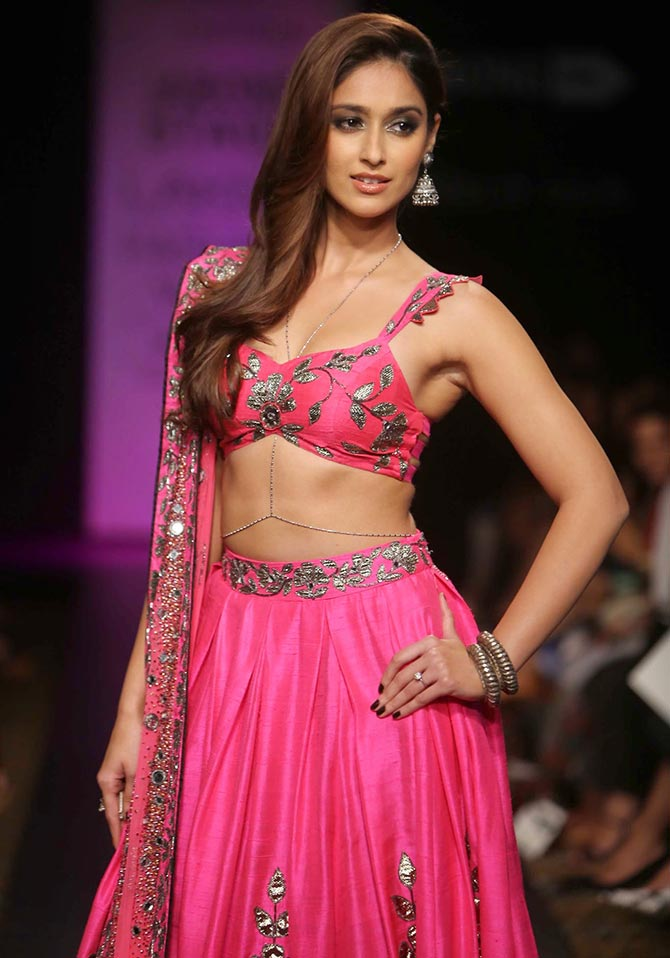Ileana D'Cruz walks for Arpita Mehta