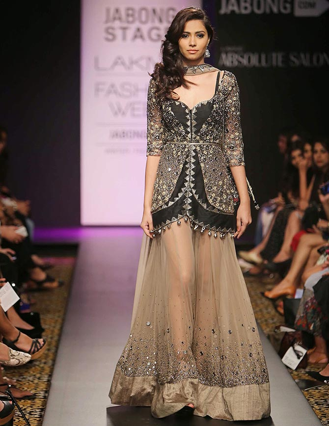 A model walks the ramp for Arpita Mehta