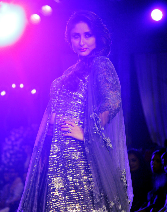 Kareena Kapoor walks for Manish Malhotra