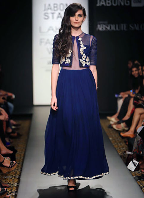 A model showcases a Ridhi Mehra creation.