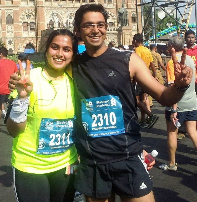 Deepa and Pradeep Katrodia at the Mumbai Marathon.