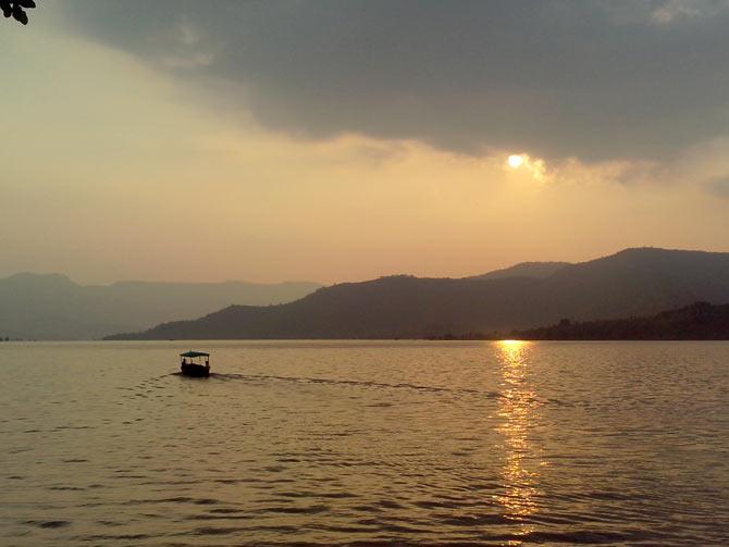 Bamnoli Lake, Satara, Maharashtra