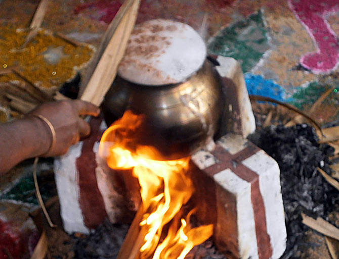 As per traditon, the rice cooked in the earthen pot has to boil over