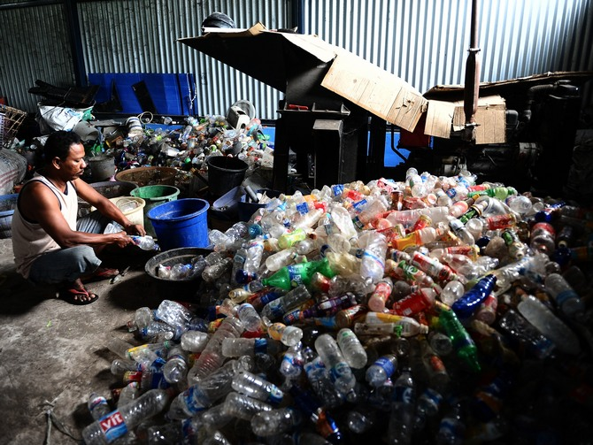 The informal sector forms the backbone of the recycling value chain and is responsible for achieving recycling rates of 70 per cent -- one of the highest in the world. (Image for representational purposes only.)