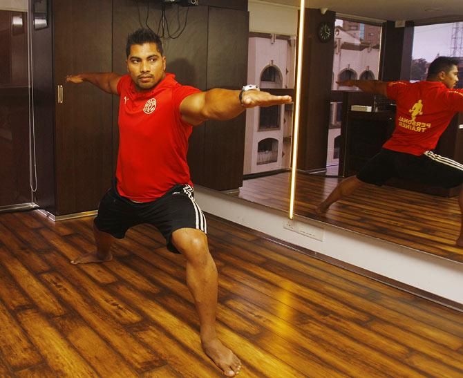 Warrior 2 pose (Virbhadra Asana II)