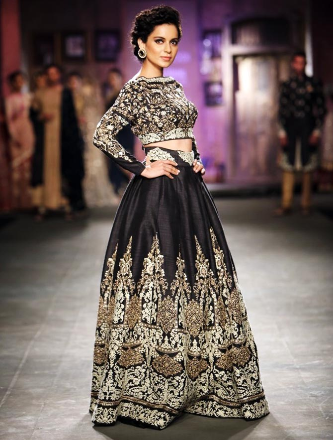 A kang up job queen ranaut rocks the runway rediff for Indian wedding dresses new york