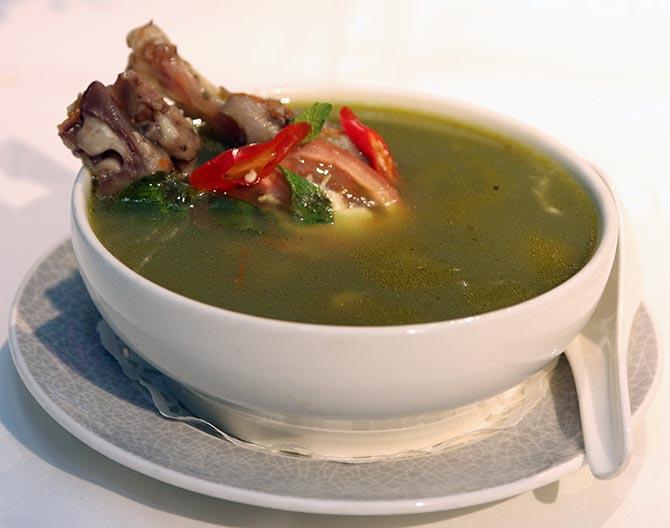 Paya Zakhani Soup