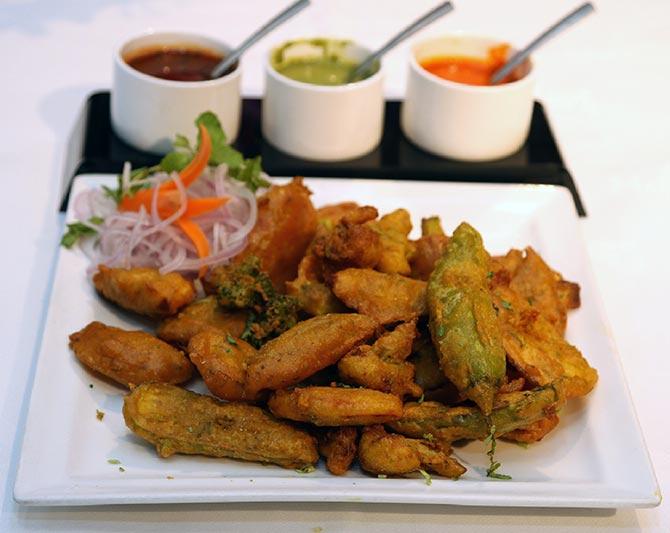 Mixed Veg / Fruit Bhajiya