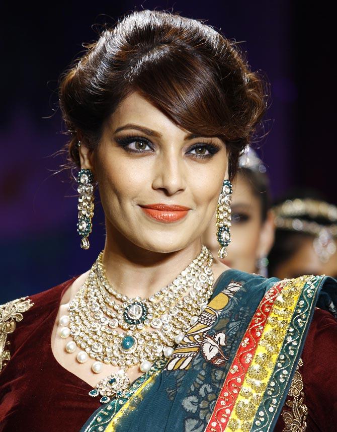 Bollywood fashion jewellery online
