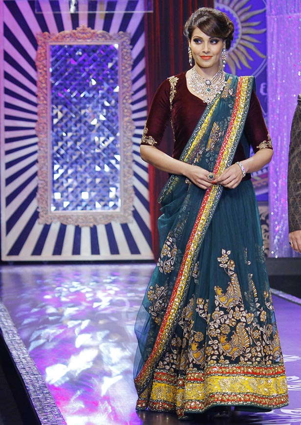 Bipasha Basu at the India International Jewellery Week