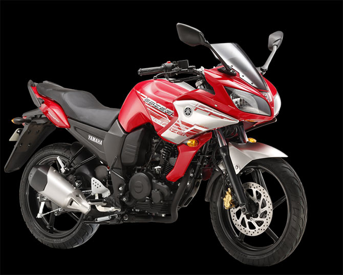 Note: This is Yamaha Fazer. As Yamaha is yet to launch Version 2.0, its photograph is not available