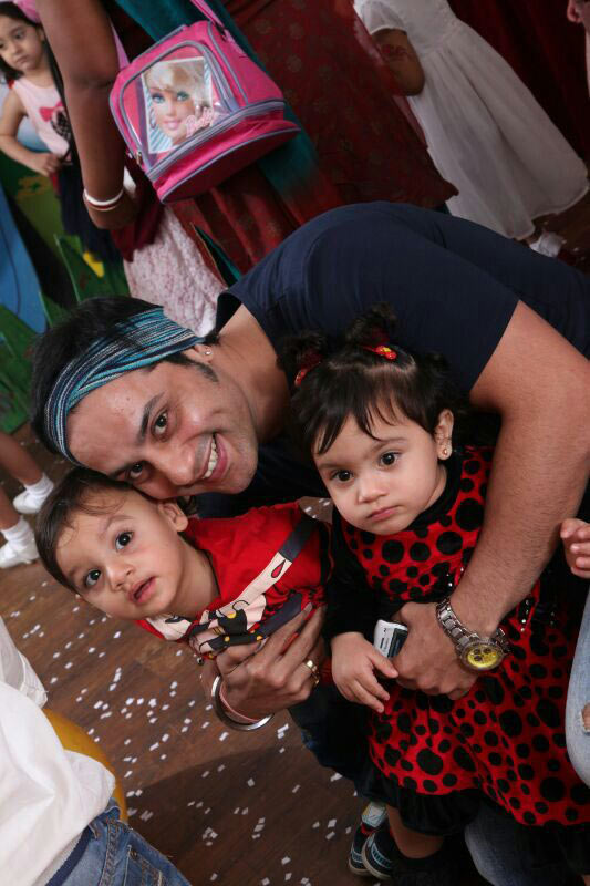 Shailesh Gulabani with Arhmaan and Amaira