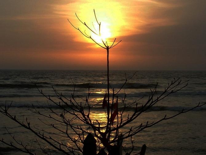 10 stunning photographs of the setting sun